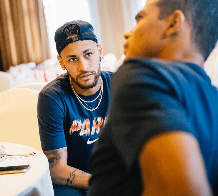 neymar a rejoint ses partenaires du PSG à Shenzhen