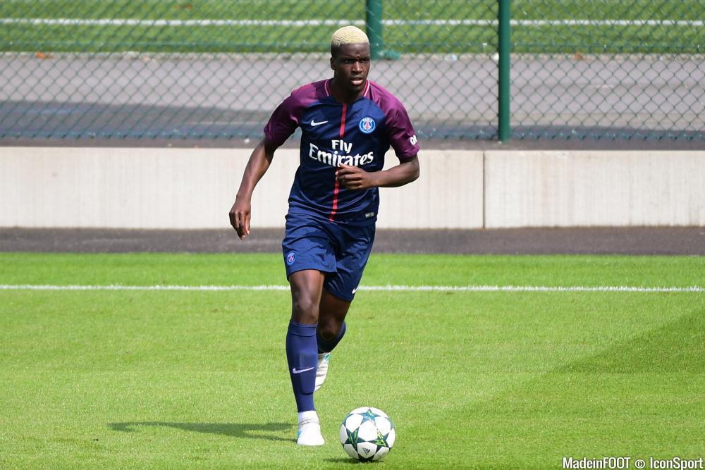 Stanley N'soki a signé son contrat avec le PSG