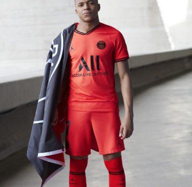 Le PSG lance le maillot extérieur jordan